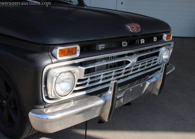World of Wheels 1966 Ford F100 te koop grille 2